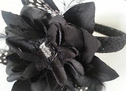 ARTIFICIAL BLACK FLOWER HAIR ACCESSORY