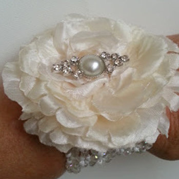 SATIN FLOWER DIAMONTE WRIST CORSAGE