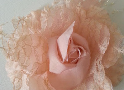 NUDE PINK LACE HAIR ACCESSORY or CORSAGE