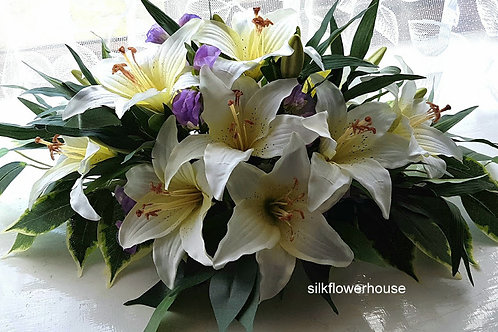 SILK  LILY AND SWEET PEA  ROUND CENTREPIECE