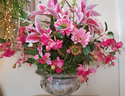 10 Great Reasons to choose  Artificial Flowers
