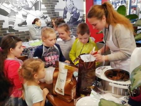 Спасибо жителям мкр. Левобережный, посетивших мастер-класс по изготовлению шоколадных конфет.