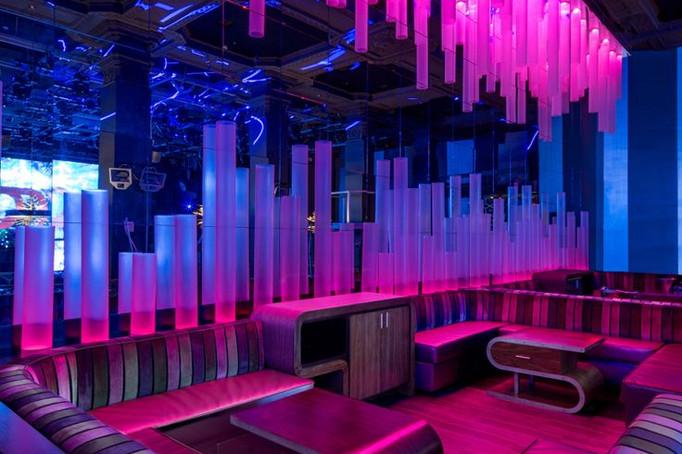dynaled-club-disco-lighting-examples-7.j