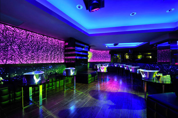 dynaled-club-disco-lighting-examples-15.