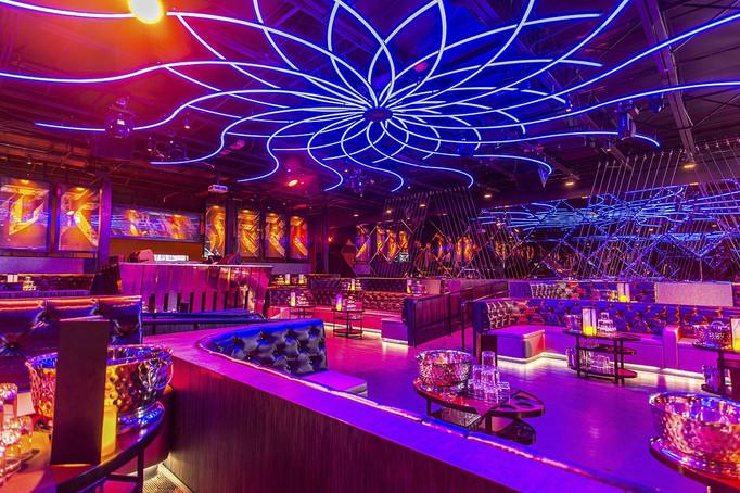 dynaled-club-disco-lighting-examples-1.j