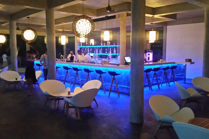 lighting-design-thailand-maldives-bar-4.