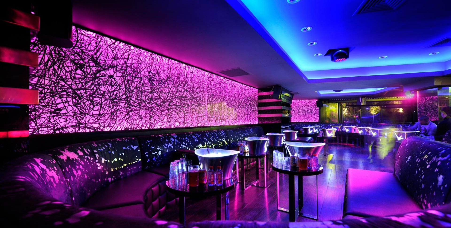 dynaled-club-disco-lighting-examples-4.j