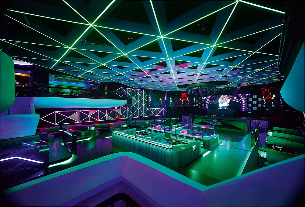 dynaled-club-disco-lighting-examples-12.