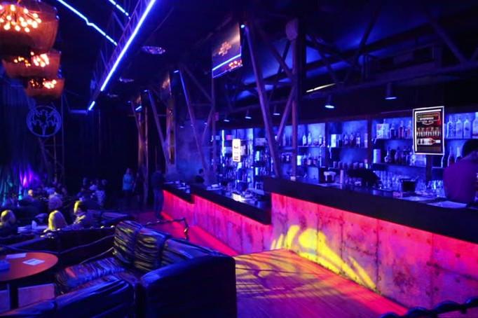 dynaled-bar-lighting-design-example-2.jp
