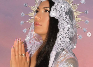 Witches of Color and Online Brujeria: The Queens of Sacred Adornment