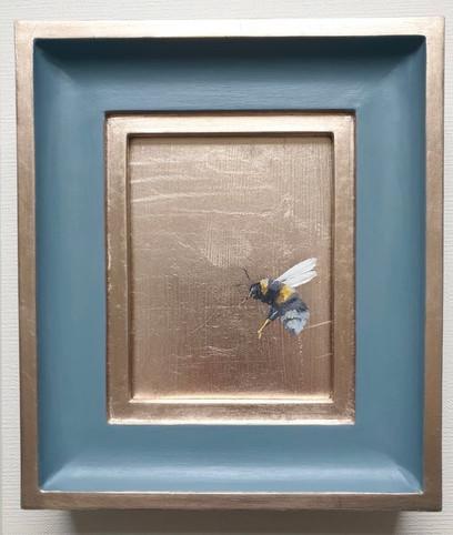 """SOLD Denimes Gold Bumble (flying left), Oil on genuine golf leaf, 7x8"""" framed"""