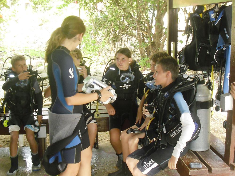 Curacao children diving
