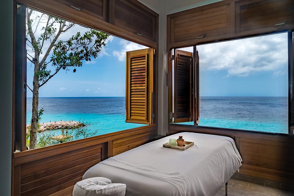 8 The Experience, Curacao