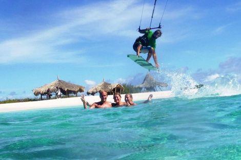 Kite surfing Curacao Activities