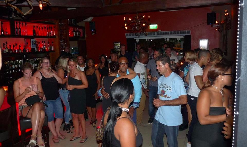 Omundo, Curacao Nightlife