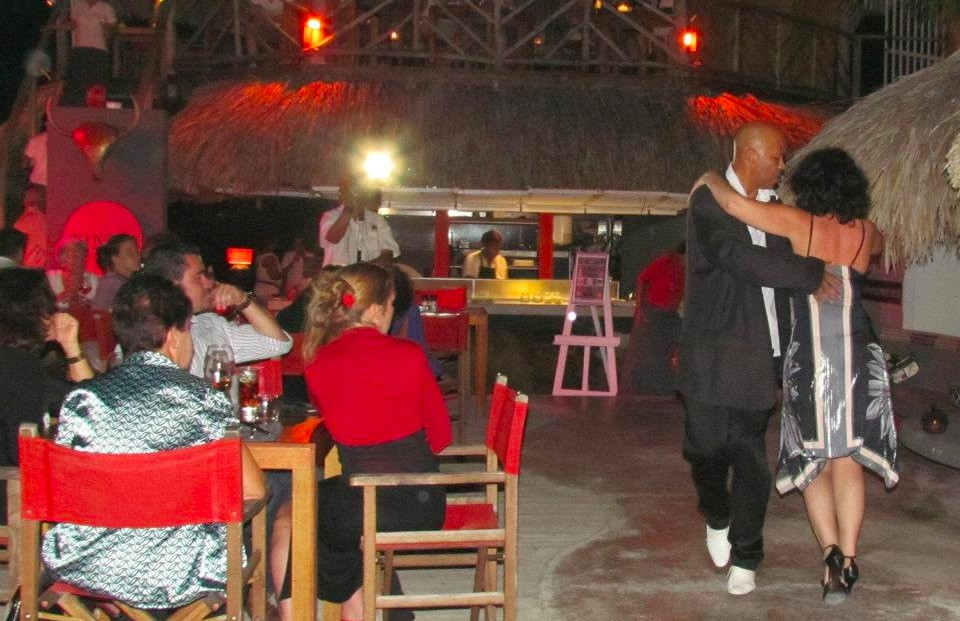 Tinto, Curacao Nightlife