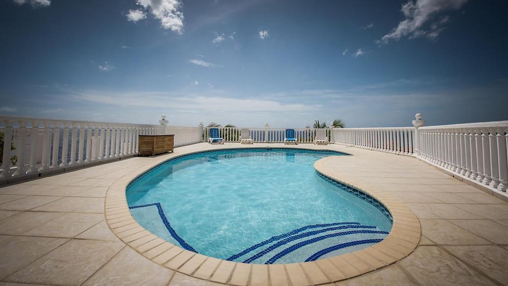Pool Villa Seashell Curacao