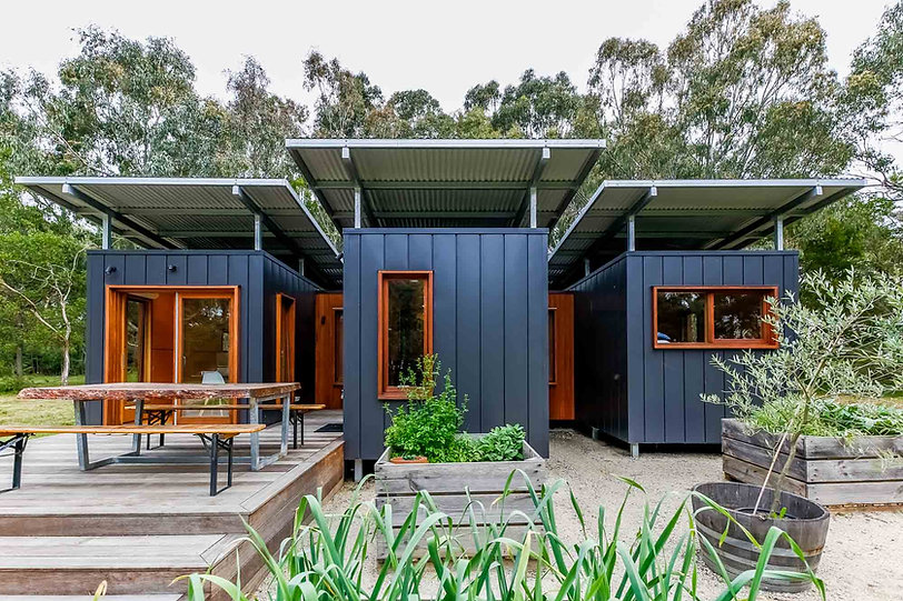 OFF-GRID-SHIPPING-CONTAINER-HOME-15_.jpg