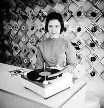 vintage-record-store-photo.jpg