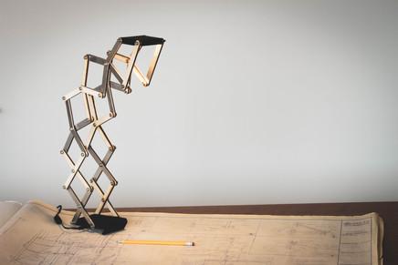 Kinetic Desk Lamp