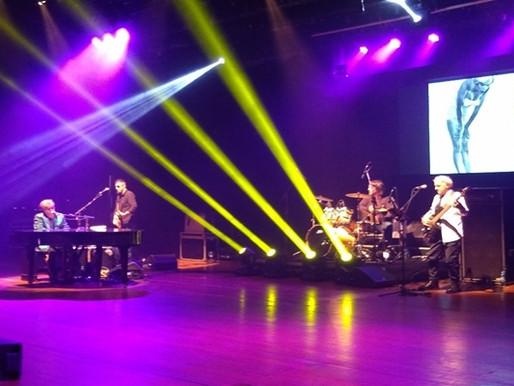Crítica- Apesar de algumas falhas, Elton John Tribute agrada musicalmente o público!