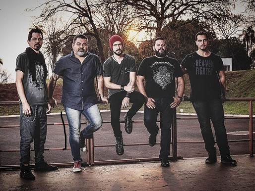 Show – Heavy metal com a banda Amos no Blues Bar