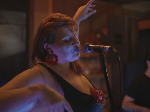 Show – Fernanda Ebling canta no Espaço Casulo em Dourados
