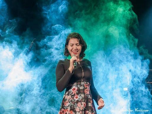 Música – Cantora de MS participa neste sábado de programa musical nacional do SBT