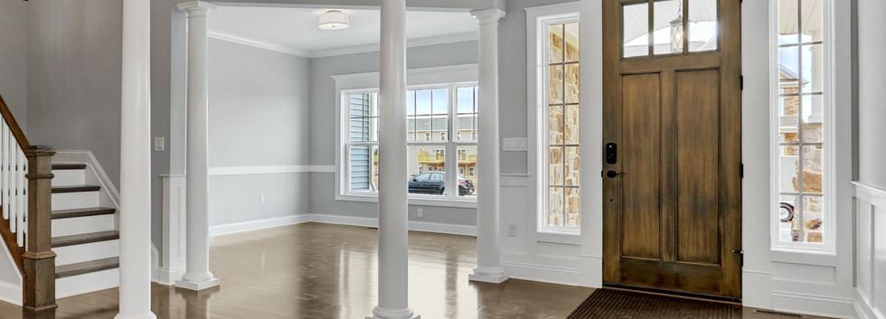Craftsman-Style Foyer