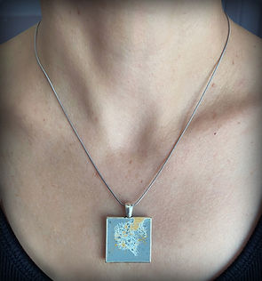 necklace1.neck.jpg