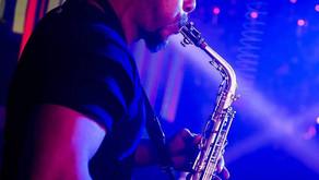 DJ, sax e percussão :  uma novidade pra se jogar