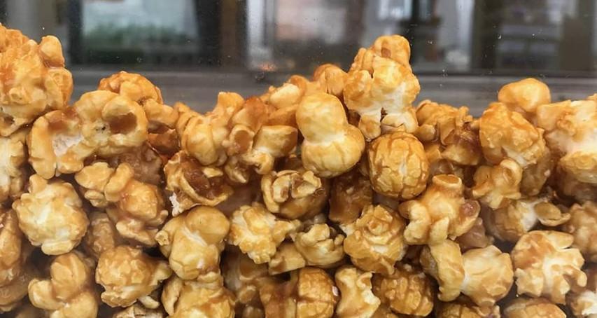 #4 Dolle's Popcorn