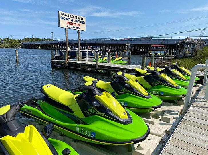 sharks-cove-watersports-jetskiing-waveru