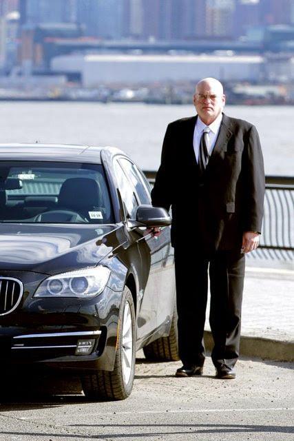 ニューヨークのタクシー運転手、ダグ・シフター氏は、ライドブッキング企業がいかにタクシー運転手の生活を破壊したのかを明らかにするために自ら死を選んだ。