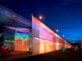 Το εντυπωσιακό installation που αλλάζει χρώματα ανάλογα με τη θερμότητα του σώματος των επισκεπτών.