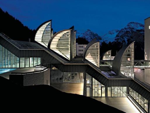 """Κέντρο ευεξίας """"TSCHUGGEN BERGOASE"""" από τον αρχιτέκτονα Mario Botta."""