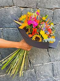 Bouquete Girasoles, Ave de Paraíso, Craspedias y Agapando