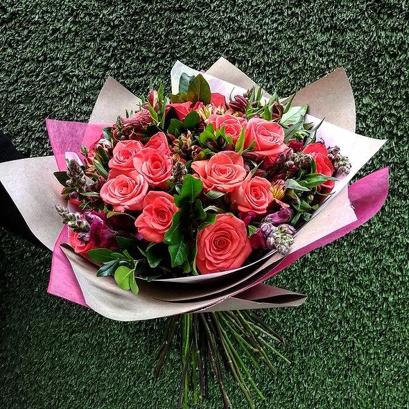 Rosas, Perritos, Alstroemerias