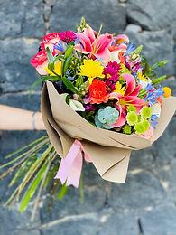 Bouquete Agapando, Acapulco, Rosas, Margaritas, Craspedia y Yoko