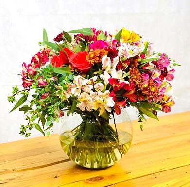 Rosas, crisantemos, eucalipto