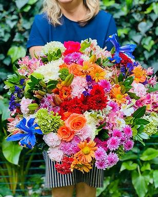 Bouquete Rosas, Margaritas, Lylis, Hortensias e Iris