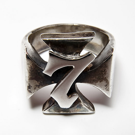 The Lucky 7 Ring