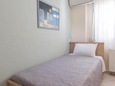 Bedroom II_.jpg