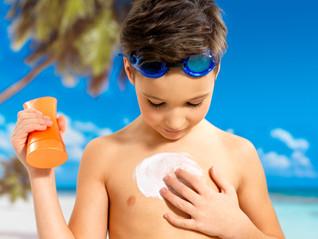 Protetor físico e químico: qual o melhor para o seu tipo de pele?