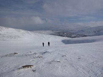18-02-24 Snowholing NishA 01.jpg