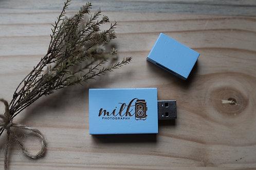 Blue 8gb USB