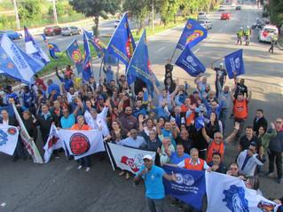 Sindicatos realizam protesto contra o Embargo da União Européia à carne de frango do Brasil