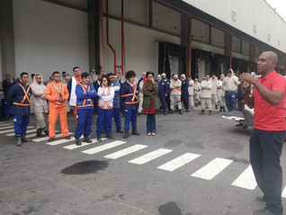 Trabalhadores da BRF aprovam pauta de negociação