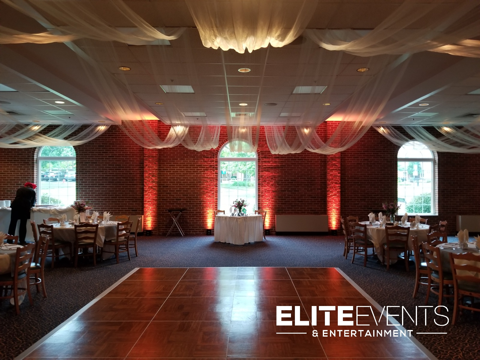 Louisville Wedding DJ Uplighting