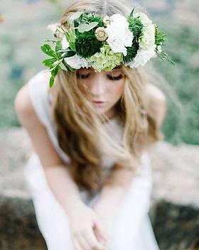 couronne-de-fleurs-dans-les-cheveux.jpg